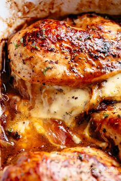 french onion stuffed chicken , By Janira Evelyne . French Onion Stuffed Chicken Casserole makes for a delicious dinner! Best Chicken Recipes, Stuffed Chicken Recipes, Chicken Stuffed With Cheese, Stuffed Onions, Chicken Receipe, Keto Chicken, Rotisserie Chicken, Chicken Salad, Baked Chicken