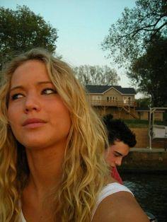 Jennifer Lawrence viral selfie -01
