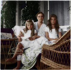 Empress Alexandra Fyodorovna Romanova of Russia (1872-1918) with her two youngest daughters Grand Duchesses Anastasia (1901-1918) and Maria (1899-1918). Year cca. 1909