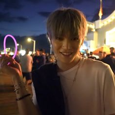 istg he has the same smile as toddy Lee Taeyong, Nct 127, Santa Monica, Types Of Boyfriends, Sm Rookies, Open My Eyes, Fandoms, Perfect Boy, Lucas Nct