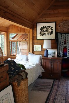 Home Decor Habitacion .Home Decor Habitacion Studio Bed, Cabin Interiors, Cabins And Cottages, Tiny Spaces, Cabin Homes, Cozy House, Cabana, Cheap Home Decor, Home Remodeling