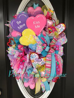 Conversation Heart Wreath, Valentine's Day Wreath, Valentine's Day Decor Valentine Tree, Valentine Day Wreaths, Valentines Day Decorations, Valentines Day Party, Valentine Day Crafts, Love Valentines, Printable Valentine, Valentine Ideas, Vintage Valentines