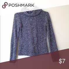 turtle neck sweater Stay warm with this grey and white speckled sweater. Comfortably loose turtle neck. Sweaters Cowl & Turtlenecks