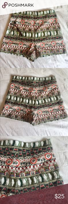 High waisted ZARA shorts High waisted shorts heaven ☁️🌈 by ZARA. Made in Portugal. European, American size medium or Mexican size 28. Absolutely perfect condition. Zara Shorts