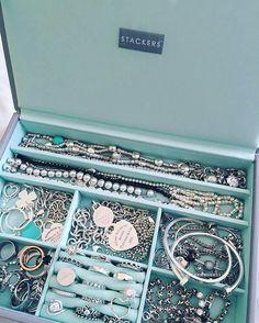 Tiffany & Co Box Kuchen - Tiffany & Co Box Kuchen - . - Tiffany & Co Box Kuchen – Tiffany & Co Box Kuchen – - Tiffany And Co Box, Tiffany And Co Jewelry, Tiffany Bracelets, Tiffany Blue, Tiffany Necklace, Opal Jewelry, Pandora Jewelry, Luxury Jewelry, Silver Jewelry
