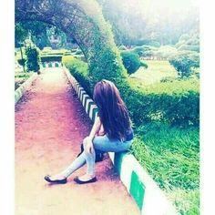 Menanti jodoh 😌 eaaa 🤣🤣🤣 by Mutiara Best Photo Poses, Girl Photo Poses, Girl Photography Poses, Girl Photos, Bridal Photography, Stylish Girls Photos, Stylish Girl Pic, Cute Girl Poses, Cute Girl Photo