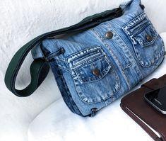 Bag Jeans, Denim Purse, Denim Bag Patterns, Blue Jean Purses, Denim Handbags, Denim Ideas, Denim Crafts, Recycled Denim, Diy Bags