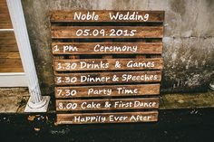 Pallet Order Service Romantic Rustic Pink Wooden Wedding http://storry.co.uk/