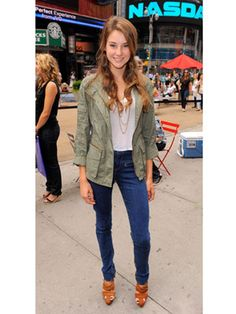 LOVE Shailene's outfit! Can be easily paired with heels...or even some casual flats!