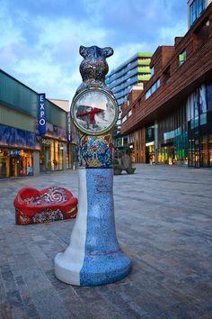 Time=Art van Emeke Buitelaar in het stadshart van Almere; foto Kenneth Verburg