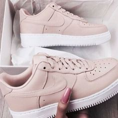Top selling sneakers men and women including Nike sneakers, best Adidas sneakers, designer sneakers for kids, best sneakers App and where to find exclusive sneakers. Sneakers Fashion, Fashion Shoes, Shoes Sneakers, Shoes Heels, Roshe Shoes, Male Fashion, Tan Nike Shoes, Light Pink Sneakers, Nike Shoes Tumblr