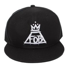 Fall Out Boy Chicago Hat. I don't even wear hats but I would wear this! Band Outfits, Edgy Outfits, Kids Outfits, Cool Outfits, Laid Back Style, My Style, Cute Hats, Band Merch, Fall Out Boy