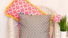 { How to Make Cushion Covers } DIY Envelope Covers in 10 Minutes Diy Cushion Covers, Cushion Cover Pattern, Envelope Cover, Diy Envelope, Sewing Pillows, Diy Pillows, Pillowcase Pattern, Easy Sewing Patterns, Sewing Projects For Beginners
