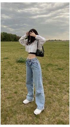 Korean Girl Fashion, Ulzzang Fashion, Kpop Fashion Outfits, Indie Outfits, Retro Outfits, Cute Casual Outfits, K Fashion Casual, Winter Fashion, Heels Outfits