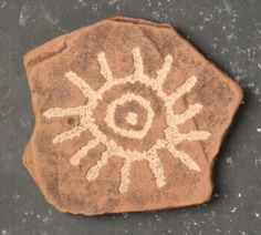 Petroglyph Sun Symbol, Pictograph, Rock Art, Prehistori... Ancient Runes, Ancient Goddesses, Ancient Art, Dibujos Dark, Sun Drawing, Ancient Discoveries, Primitive Painting, Rock Design, Pottery Designs