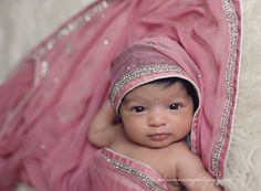 Indian baby wrapped in mothers wedding veil/ Sari Funny Baby Photos, Monthly Baby Photos, Baby Girl Photos, Cute Baby Pictures, Newborn Photography Poses, Newborn Baby Photography, Baby Galerie, Baby Monat Für Monat, Cute Baby Wallpaper