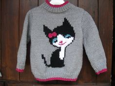 Diy Crafts - Baby sweater and girl hand knitted cat pattern polyamide acrylic worsted wool machine washable 30 ° C Available from size 6 Baby Sweater Patterns, Baby Cardigan Knitting Pattern, Baby Knitting Patterns, Baby Patterns, Knitting Baby Girl, Knitting For Kids, Girls Sweaters, Baby Sweaters, Pull Bebe