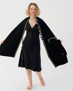 SMALL FASHION LABELS Hug-Bag Model Warm Hug Schwarz Loden - Wien - Vienna EXKLUSIVE DESIGNER-LABELS - Online Shop