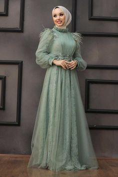Pakistani Fashion Party Wear, Indian Fashion Dresses, Muslim Fashion, Disney Wedding Dresses, Western Wedding Dresses, Hijab Evening Dress, Evening Dresses, Hijab Wedding, Kebaya Dress