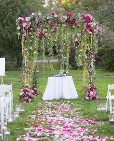 Elegant outdoor wedding decor ideas on a budget 61