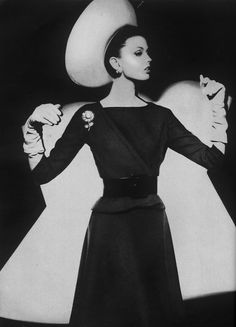 an A line skirt and jacket from March Vogue 1962. The photographer ...