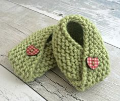 Pistachio Baby Booties, Green Knitted Baby Booties, Gender Neutral Baby Shoes, Wool Booties, 3-6 Months Infant Shoes, New Baby Gift by SnugCreations on Etsy