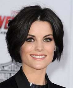 Image from http://hairstyles.thehairstyler.com/hairstyle_views/front_view_images/10724/original/Jaimie-Alexander.jpg.