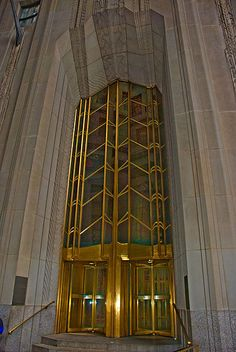 Irving Trust Tower - Deco masterpiece by Ralph Walker - File:1 Wall Street panoramic.jpg - Wikipedia - Author	Phillip Capper from Wellington, New Zealand