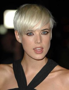 #AgynessDeyn #shorthair #blonde #hairstyle #trend