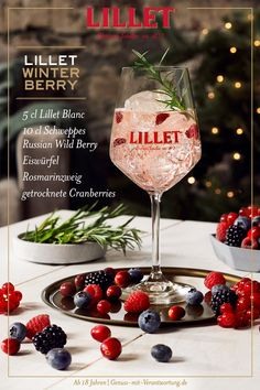 Party Drinks, Cocktail Drinks, Alcoholic Drinks, Winter Cocktails, Summer Drinks, Lillet Berry, Best Bread Recipe, Party Mix, Soul Food