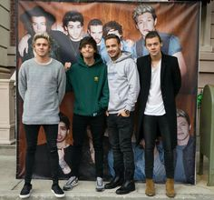 But Zayn's there in the album pic but not with them. That's what makes me cry