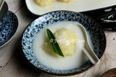 Resep Singkong Thai JTT Pudding Recipes, Dessert Recipes, Desserts, Tapioca Cake, Thai Recipes, Cooking Recipes, Resep Cake, Malay Food, Diy Food