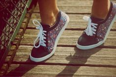 Twins for peace - baskets - chic et sportive. Sneakers for women and men. French.