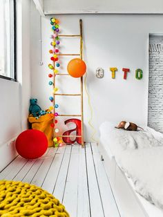 happy lights and a teen bed from Rafa-kids Happy Lights, Deco Kids, The Design Files, Kid Spaces, Home Staging, Kids Decor, Boy Room, Child's Room, Kids House