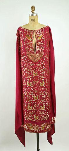 Callot Soeurs evening dress, ca. 1925-1926. The Costume Institute of The Metropolitan Museum of Art, NYC, USA.