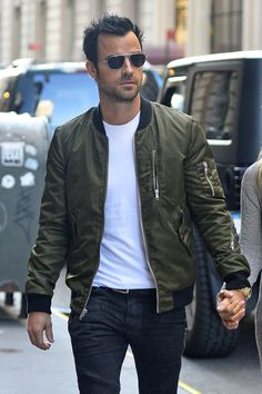 Justin Theroux Style: Green Leather Jacket + White Tee + Jeans + Aviators http://www.pinterest.com/tiffanymcivor/mens-fashion-top-picks/