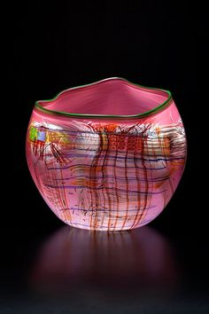 https://www.facebook.com/chihuly/photos/a.178806335502186.38914.170722912977195/793573357358811/?type=1