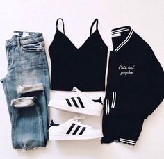 Cute outfits for school that are easy and trendy can be hard to put together sometimes. Laid back or fashionista, we have cute outfits for you! Teenager Outfits, Teenager Mode, Outfits For Teens, Trendy Outfits, Winter Outfits, Teenage Outfits For School, Cute Easy Outfits For School, Back To School Outfits For College, Spring Outfits