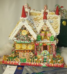 gingerbread-house-peoples-choice-2011