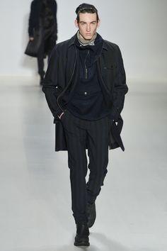 Découvrez la nouvelle collection Homme Automne/Hiver 2015-2016 présentée par Richard Chai Love à New York.