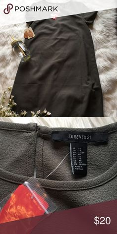 Forever 21 NWT Shift dress Olive green, very comfortable, perfect condition Forever 21 Dresses