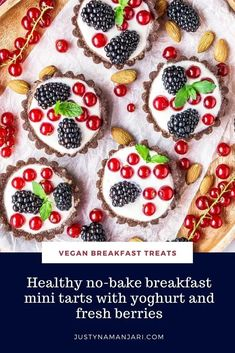 These vegan breakfast mini tarts are a healthy breakfast in disguise. Made from just a few natural ingredients and topped with vegan yoghurt and fresh berries, these no-bake mini tarts are gluten-free and 100% guilt-free. And don't they look adorable? Enjoy as many as you like for breakfast or any time of the day as a healthy sweet treat – you can definitely have more than one. They're healthy, raw vegan, gluten-free and refined sugar-free. Vegan Breakfast Casserole, Healthy Vegan Breakfast, Gluten Free Recipes For Breakfast, Vegan Dessert Recipes, Vegan Recipes Easy, Healthy Baking, Vegetarian Desserts, Brunch Recipes, Keto Recipes