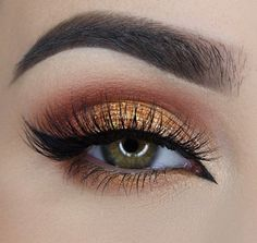 Brown crease and Bronze eyelid.