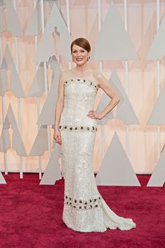 The Best Dressed at the 2015 Oscars - Julianne Moore in custom Chanel