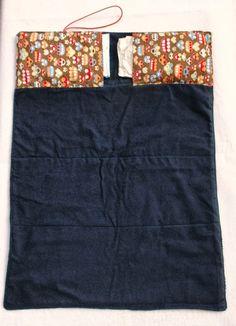 Ich durfte für UNICO eine tolle Wickelunterlage mit Taschen für Windeln und Feuchttücher probenähen. Die Anleitung dafür gibt es übrigens auch jetzt schon gratis, und zwar HIER. Meine Unterlage ist au