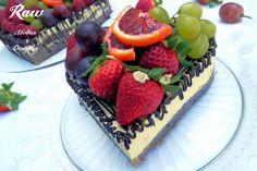 Raw strava ponúka široké možnosti ako si pripraviť chutné a zdravé dezerty a recepty pomocou surového ovocia či orieškov. Raw recept na tortu nájdete tu...