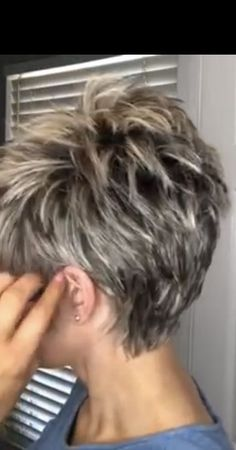 30 Hottest Short Layered Haircuts Right Now (Trending for - Style My Hairs Pixie Haircut For Thick Hair, Short Sassy Haircuts, Short Choppy Hair, Funky Short Hair, Short Haircut Styles, Short Hair With Layers, Cute Hairstyles For Short Hair, Pixie Haircuts, Short Pixie
