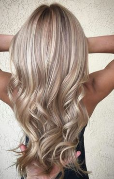 Hair Color Blonde Honey Balayage Waves Ideas For 2019 Haarfarbe Blond Honig Balayage Welle Ombre Blond, Ombre Hair Color, Blonde Color, Purple Hair, Ash Blonde, Blonde Hair Brown Lowlights, Pretty Blonde Hair, Ash Ombre, Blonde Honey