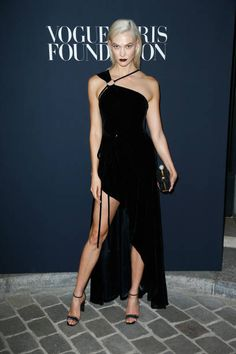 Karlie Kloss attends the Vogue Foundation Dinner during Paris Fashion Week as part of Haute Couture Fall/Winter 20172018 at Musee Galliera on July 4...
