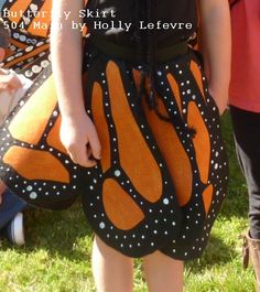 skirt 504 Main by Holly Lefevre: The Monarchs Have Arrived: How To Make a Butterfly Skirt DIY baby skirts :) Toddler Butterfly Costume, Monarch Butterfly Costume, Butterfly Dress, Butterfly Halloween, Butterfly Party, Butterfly Wings, Toddler Costumes, Diy Costumes, Halloween Costumes For Kids